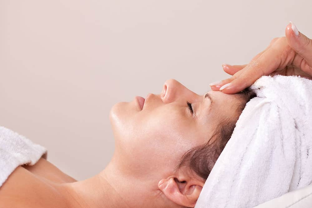 Facial Indian Head Massage Ayurvedic Pamper Facial Rejuvenate Cleanse Tone Moisturise Anti aging Wrinkles Hydration